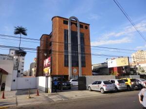 Local Comercial En Venta En Maracaibo, Plaza Republica, Venezuela, VE RAH: 15-2554