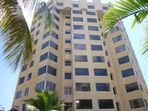 Apartamento En Ventaen Catia La Mar, Playa Grande, Venezuela, VE RAH: 15-2665