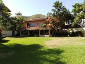 Casa En Venta En Valencia, Guaparo, Venezuela, VE RAH: 15-2750