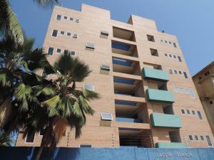 Apartamento En Venta En Boca De Aroa, Boca De Aroa, Venezuela, VE RAH: 15-2764