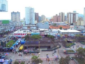 Local Comercial En Venta En Maracay, El Centro, Venezuela, VE RAH: 15-2819