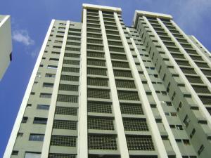 Apartamento En Venta En Ocumare De La Costa, El Playon, Venezuela, VE RAH: 15-2811