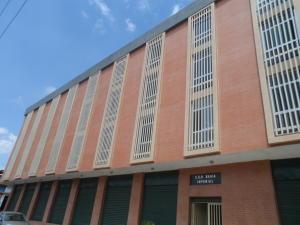 Local Comercial En Venta En Valencia, Avenida Lara, Venezuela, VE RAH: 15-2858