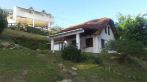 Casa En Venta En El Junquito-Vargas, La Niebla, Venezuela, VE RAH: 15-2906