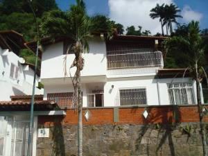 Casa En Venta En Caracas, Santa Marta, Venezuela, VE RAH: 15-2931