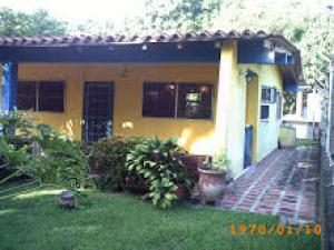 Casa En Venta En Higuerote, Club Campestre El Paraiso, Venezuela, VE RAH: 15-2995