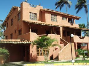 Apartamento En Venta En Boca De Aroa, Boca De Aroa, Venezuela, VE RAH: 15-4241