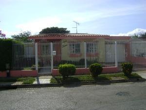 Casa En Venta En Valencia, Trigal Norte, Venezuela, VE RAH: 15-3073