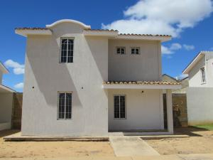 Casa En Venta En El Tigre, Centro, Venezuela, VE RAH: 15-3081