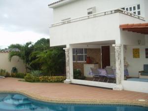 Casa En Venta En Municipio Antolin Del Campo Paraguachi, Paraguachi, Venezuela, VE RAH: 15-3160