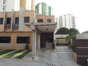 Casa En Venta En Valencia, Los Mangos, Venezuela, VE RAH: 15-3126