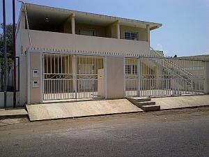Apartamento En Alquiler En Santa Rita, Via Principal, Venezuela, VE RAH: 15-3197