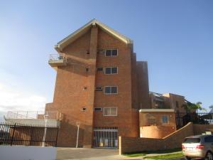 Apartamento En Venta En Caracas, Loma Linda, Venezuela, VE RAH: 15-3205