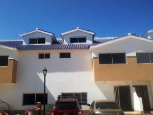 Townhouse En Venta En Maracaibo, Lago Mar Beach, Venezuela, VE RAH: 15-3307