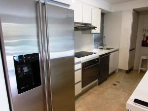 Apartamento En Venta En Caracas - Campo Alegre Código FLEX: 15-3352 No.1