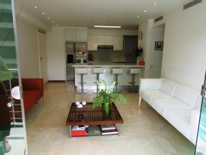 Apartamento En Venta En Caracas - Campo Alegre Código FLEX: 15-3352 No.9