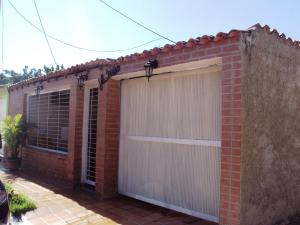 Casa En Venta En Maracay, Villas De Aragua, Venezuela, VE RAH: 15-3392