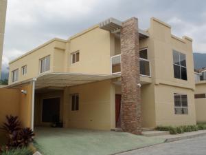 Casa En Venta En Maracay, El Castaño (Zona Privada), Venezuela, VE RAH: 15-3492