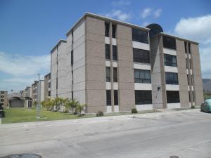 Apartamento En Venta En La Victoria, El Recreo, Venezuela, VE RAH: 15-3504