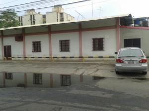 Local Comercial En Venta En Ciudad Ojeda, Cristobal Colon, Venezuela, VE RAH: 15-3521
