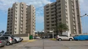 Apartamento En Venta En Maracaibo, Avenida Milagro Norte, Venezuela, VE RAH: 15-3554