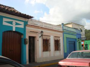 Casa En Venta En Los Teques, Municipio Guaicaipuro, Venezuela, VE RAH: 15-3649