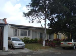 Casa En Ventaen Los Teques, Los Picachos, Venezuela, VE RAH: 15-3693