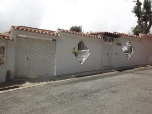 Casa En Venta En San Antonio De Los Altos, Los Castores, Venezuela, VE RAH: 15-3845
