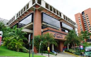 Local Comercial En Venta En Caracas, Santa Fe Norte, Venezuela, VE RAH: 15-3808