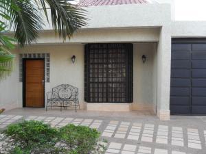 Casa En Venta En Valencia, Altos De Guataparo, Venezuela, VE RAH: 15-3872