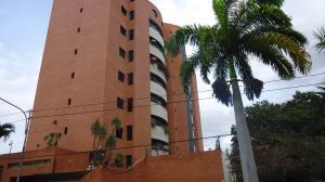 Apartamento En Venta En Barquisimeto, Parroquia Santa Rosa, Venezuela, VE RAH: 15-3889