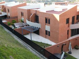 Townhouse En Venta En Caracas, Sorocaima, Venezuela, VE RAH: 15-3978