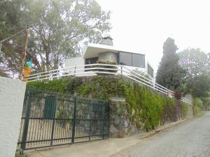 Casa En Venta En El Junquito-Vargas, El Junko Country Club, Venezuela, VE RAH: 15-3956
