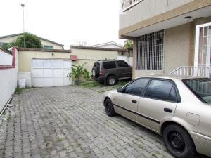 Casa En Venta En Caracas, Miranda, Venezuela, VE RAH: 15-4110