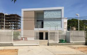 Edificio En Venta En Maracaibo, Las Mercedes, Venezuela, VE RAH: 15-4071