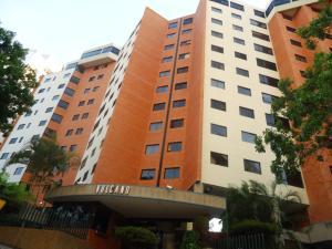 Apartamento En Venta En Valencia, El Bosque, Venezuela, VE RAH: 15-4128