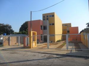 Townhouse En Venta En Maracaibo, La Rotaria, Venezuela, VE RAH: 15-4209
