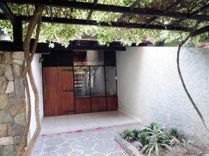 Casa En Venta En Maracay, Las Delicias, Venezuela, VE RAH: 15-4171