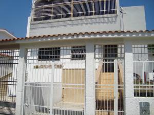 Casa En Venta En Valencia, Los Nisperos, Venezuela, VE RAH: 15-4262
