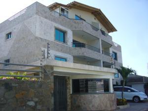 Apartamento En Venta En Margarita, Playa El Angel, Venezuela, VE RAH: 15-4346