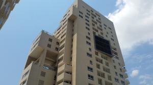 Apartamento En Venta En Maracaibo, Avenida Bella Vista, Venezuela, VE RAH: 15-4398