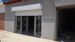 Local Comercial En Venta En Punto Fijo, Puerta Maraven, Venezuela, VE RAH: 15-4411