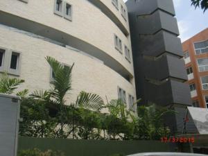 Apartamento En Venta En Caracas, Los Naranjos De Las Mercedes, Venezuela, VE RAH: 15-4505
