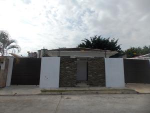 Casa En Venta En Valencia, Los Nisperos, Venezuela, VE RAH: 15-4594