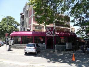 Local Comercial En Venta En Caracas, El Paraiso, Venezuela, VE RAH: 15-4699
