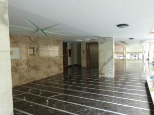 Apartamento En Venta En Caracas - Los Palos Grandes Código FLEX: 15-4495 No.4