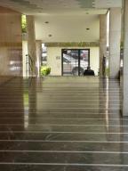 Apartamento En Venta En Caracas - Los Palos Grandes Código FLEX: 15-4495 No.1