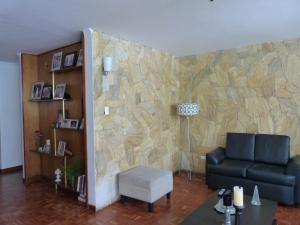 Apartamento En Venta En Caracas - Los Palos Grandes Código FLEX: 15-4495 No.6