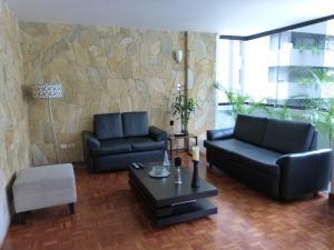Apartamento En Venta En Caracas - Los Palos Grandes Código FLEX: 15-4495 No.7