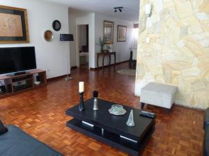 Apartamento En Venta En Caracas - Los Palos Grandes Código FLEX: 15-4495 No.12